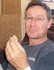 Jonathan from Australia 54 y.o.