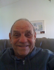 Walter from USA 77 y.o.